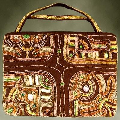 В разделе сумок много рукодельниц выкладывали свои работы.