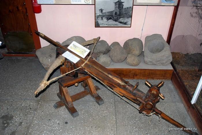 Реконструкция оружия очень развитой цивилизации, которая жила здесь в ранние средние века