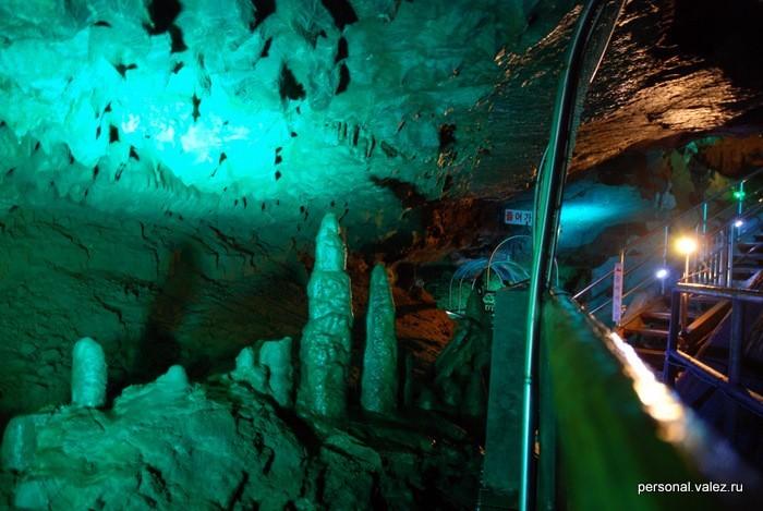 Тоже результат работы капающей тысячи лет воды со взвесями глины