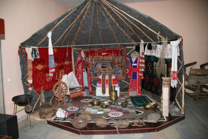 2302946_bashkirskaya_yurta.jpg