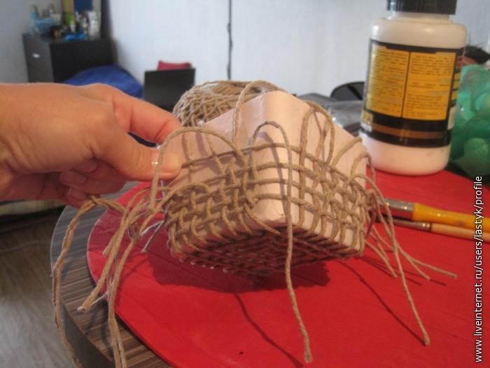ПЛЕТЕНЫЕ ИЗДЕЛИЯ / Плетение: береста, соломка, тростник