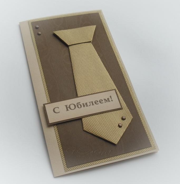 Галстук сложен по авторской (облегченной в сравнении с оригами) схеме.  Дарьи Чаловой. я тоже встречала такую...
