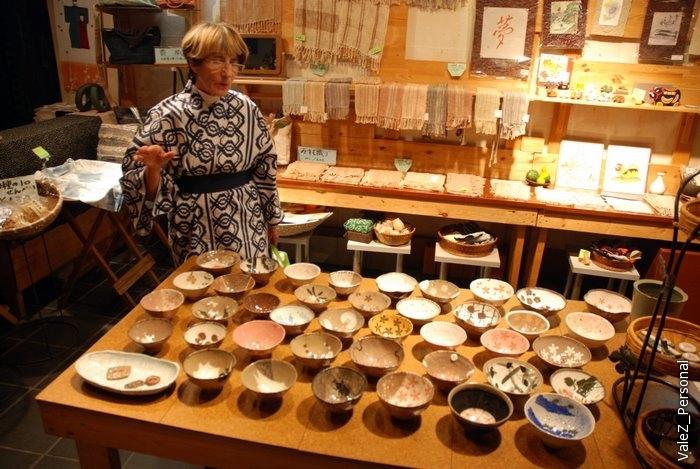 Лариса Канаева, художник по керамике, рассказывает про местное народное творчество