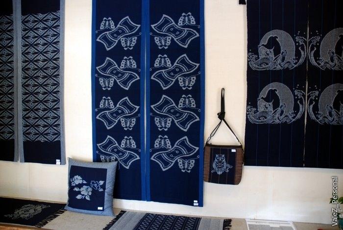 С его помощью делают вот такие традиционные японские ткани