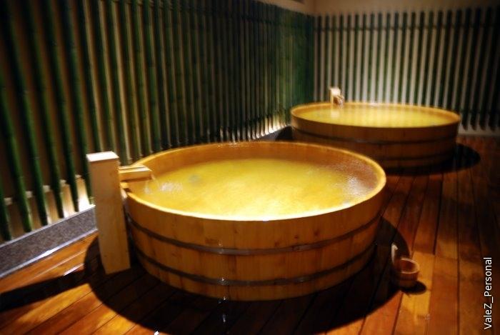 А вечер мы провели в онсэне - это был онсэн первой гостиницы, где мы останавливались в Японии - Кайке Бич.