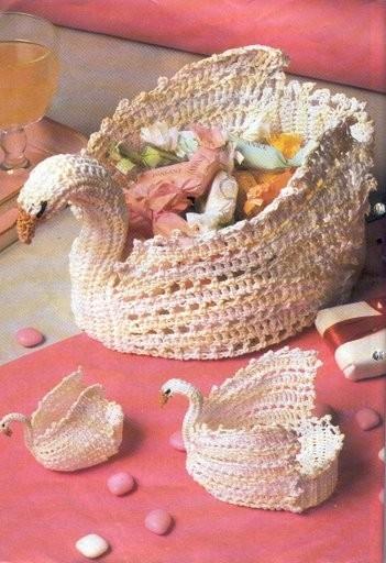 ваза-лебедь вязаная крючком