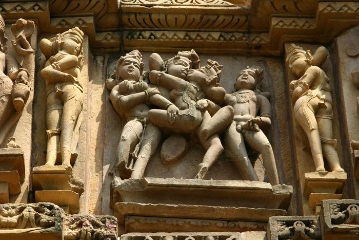 Порно в индийских хрaмaх