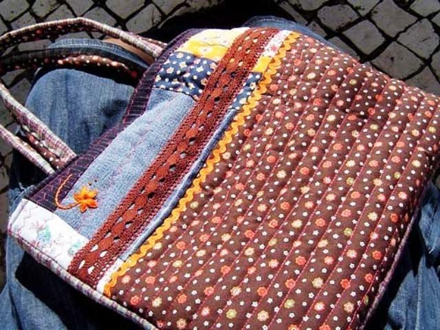 Вот, например, мастер-класс как сшить сумку для походов по магазинам.