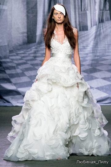 MONIQUE LHUILLIER NY Bridal FW10 10-18-09