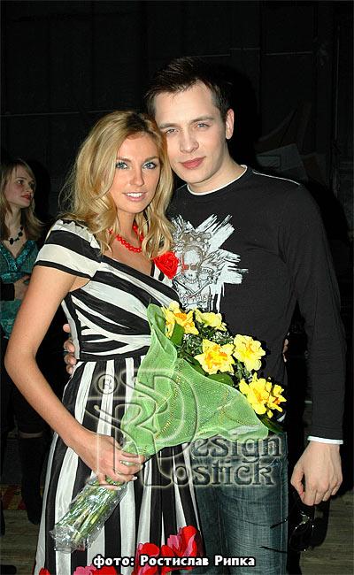 Александр асташенок с женой фото