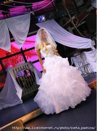 Черный огромный невеста в трусиках кружевах стриптиз кончает