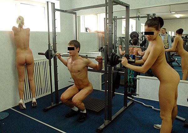 Голые девушки в душе фитнес центров — img 8