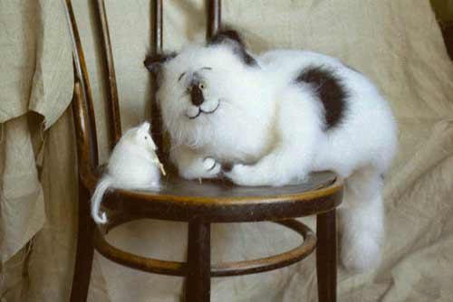 Вот такие чудесные вязаные кошки и коты. www.fadeeva.com.