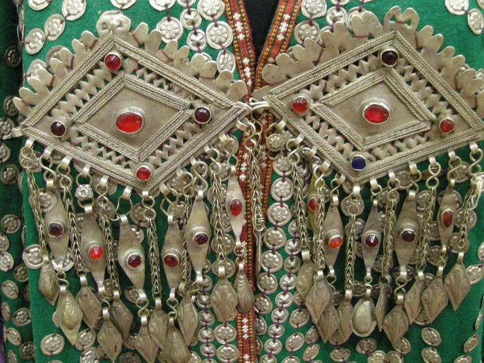 туркменские национальные украшения фото хотя