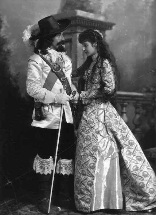 Історія весільного плаття.