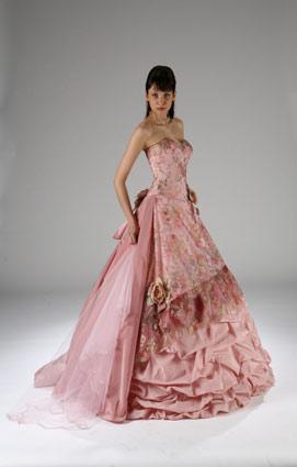 Цветные свадебные платья : 80 шикарных идей