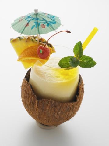 Пина Колада (Pina Colada) - сладкий карибский коктейль.