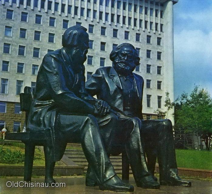 Гранитные для памятники какой лучше энгельс купить памятник цены Менделеевская