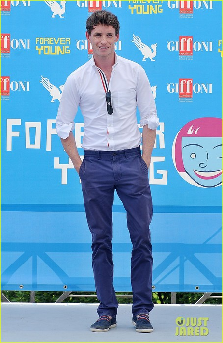 eddie-redmayne-giffoni-film-festival-photo-call-01 (454x700, 87Kb)