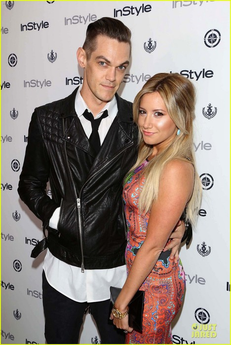 ashley-tisdale-christopher-french-engaged-couple-at-instyle-soiree-02 (468x700, 94Kb)
