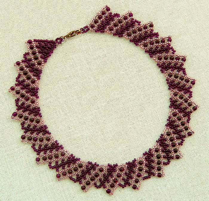 free-tutorial-beaded-necklace-1 (700x672, 608Kb)