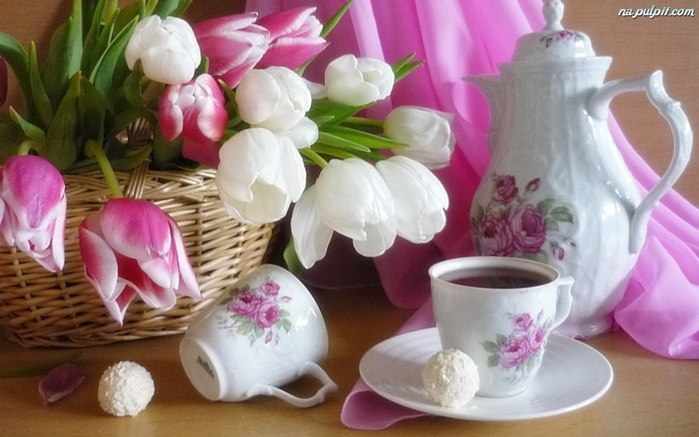 Очень красивые натюрморты filizanki-kwiaty-tulipany-dzbanek (700x437, 150Kb)