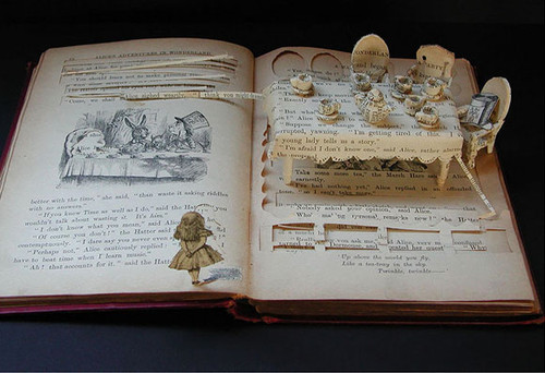 books,creativity,literature,surrealism,alice,sculpture-a9e41af45b530f061dcd01aed9fadfc5_h (500x342, 55Kb)