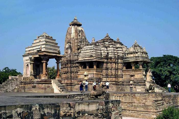 Храм Кандарья-Махадева в Кхаджурахо — застывшая в камне Камаcутра ... | 466x700