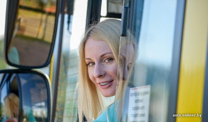 Фотка в автобусе с блондинкой — photo 3