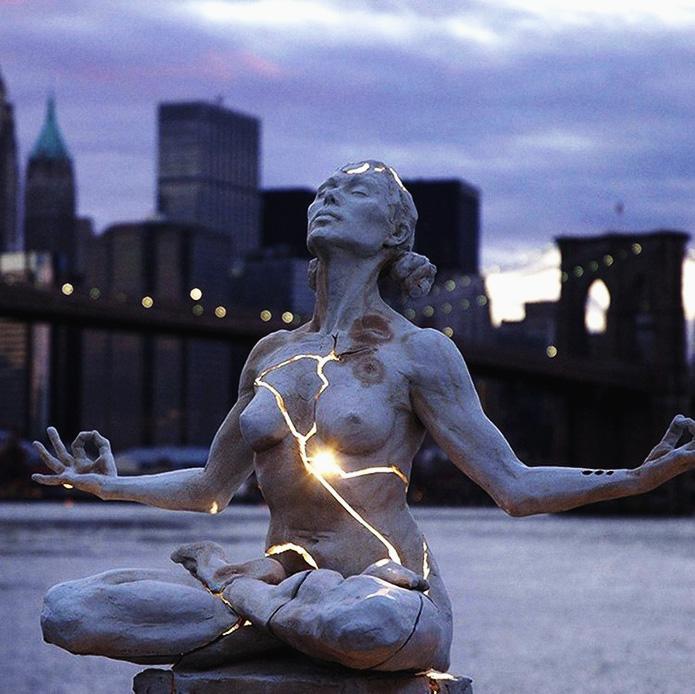 Скульптура Пэйдж Брэдли