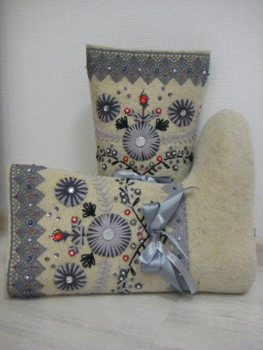 Оформление валенок вышивкой