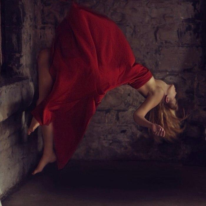 Если красные одеяния снятся больному человеку, значит, он в скором времени пойдет на поправку.