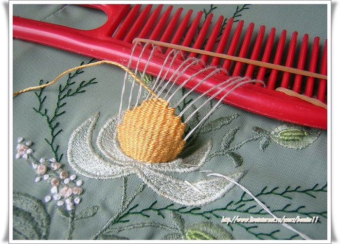 Comb Embroidery (700x502, 426Kb)