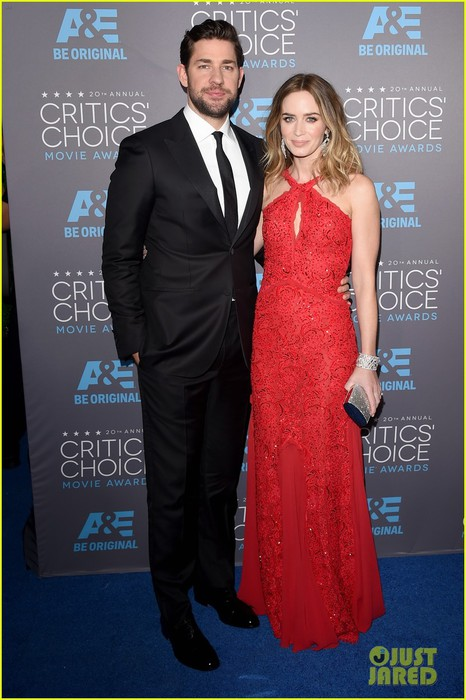emily-blunt-john-krasinski-critics-choice-awards-2015-03 (466x700, 88Kb)