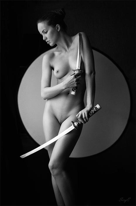 живёшь, натуре девушка с ножом эротика слизь