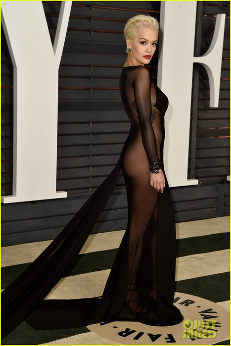 rita-ora-bares-her-booty-at-vanity-fair-oscar-party-2015-05 (467x700, 62Kb)