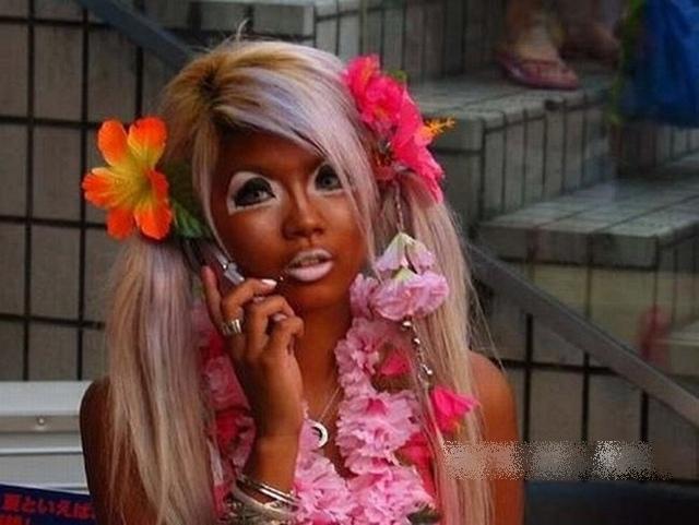 Лесбиянки как субкультура, экстремальный секс разными предметами