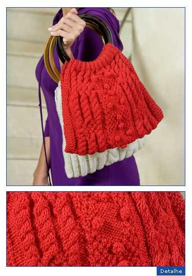 Размер: 30 х 30 см. Красная сумка связана спицами узором с косами и...