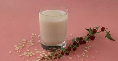 Молочный коктейль с овсяными хлопьями.