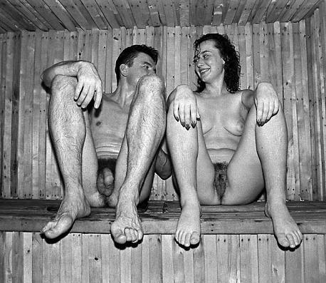trah-molodih-babi-i-muzhiki-v-bane-vmeste-foto-seks-parnem