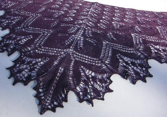 Шаль с листочками : Вязание спицами.