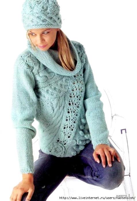 Красивый пуловер связан спицами и крючком, что придает модели.