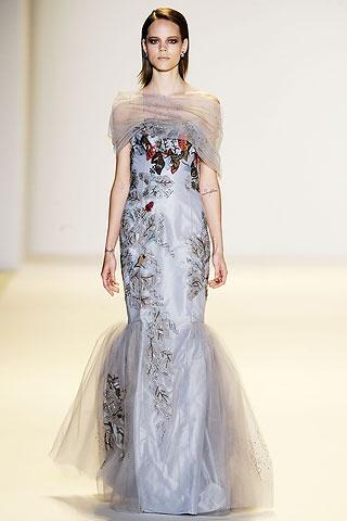 Платья находится также в разделах: выкройки длинных платьев.