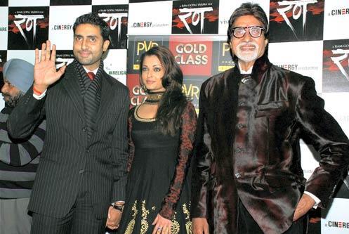 Айшварья Рай, Абхишек Баччан и Амитабх Баччан на премьере «Rann ...