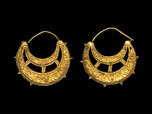 PAIR OF BYZANTINE GOLD CRESCENT EARRINGS 6th-9th cen ad (500x375, 86 Kb)