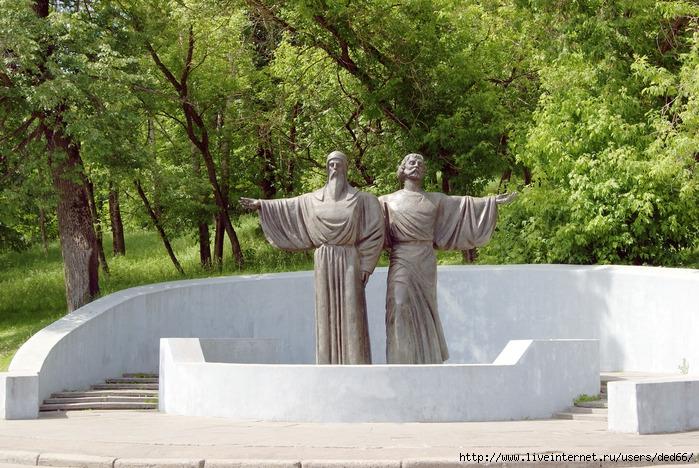 Череповец афанасий и феодосий памятник памятник крест из гранита р