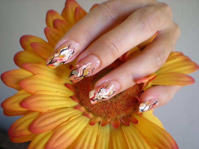 Рисунки на натуральных ногтях