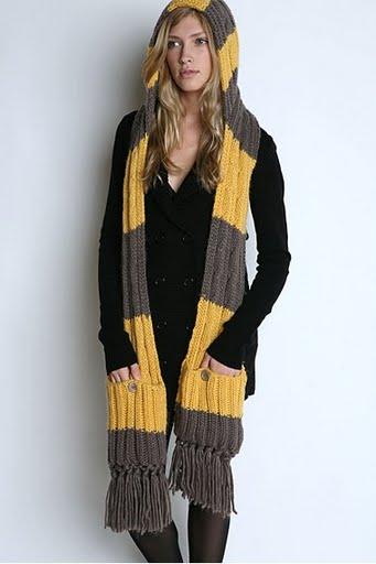 Нужен совет. шарф-капюшон.  Очень хочется связать такую штуку.