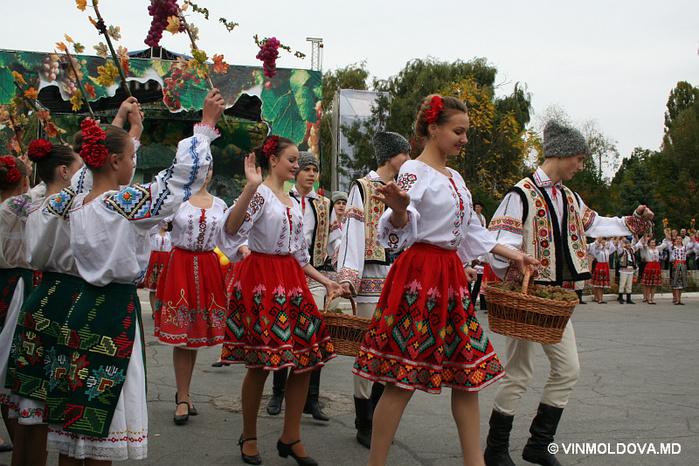 поздравление от молдаванки безостый