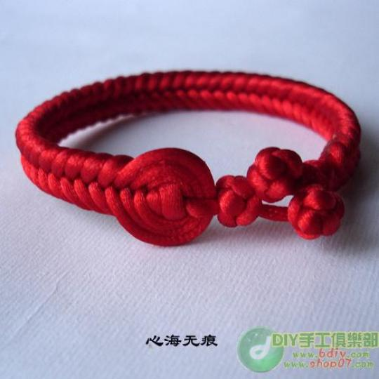 Толстые браслеты из бисера.
